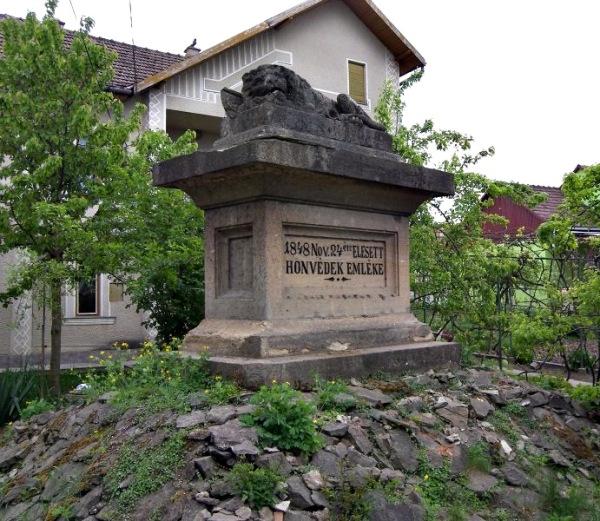 Monumentul – Leu
